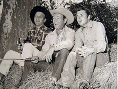 "Audie sings ""Honey Babe"" in '59 with Roy Rogers and Eddie Arnold"