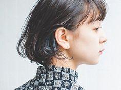 【hairstyle】 Other day of shooting. 久しぶりの笑(emi)ちゃんとの撮影。インナーに青を入れました。 . 僕は人と別れる時にまたねって言う。そう言われないともう逢えないんじゃないかなと思ってしまうから。約束なんてしなくてもお互いが逢いたいと思い合えていたらいいんだけどね。でも実はその約束ってやつに僕は救われたりしてるんだ。 hair:@yuhei.chiba model:@you__say__ #ycportfolio