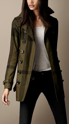 Short Cotton Twill Check Trench Coat / Burberry