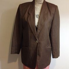 Petite Sophisticate Brown Lined/Rayon Blazer 6P Nice lined dress coat. 53% linen 47% rayon. Front slit pockets at bottom. Petite Sophisticate Jackets & Coats Blazers
