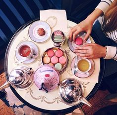 Loving everything about this tea and French Macaron party!