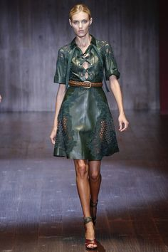 Gucci Spring 2015 RTW  | model Anja Rubik | posted by Vogue.com