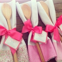 If you're preparing to get married, one of the first things you need to plan is how to make your bridal shower remarkable. Bride Shower, Wedding Shower Favors, Party Favors, Baby Shower, Homemade Gifts, Diy Gifts, Kitchen Shower, Unique Bridal Shower, Shower Gifts