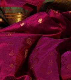 Pink Paithani Silk Saree How a pink shd be! Ethnic Sarees, Indian Sarees, Handloom Saree, Silk Sarees, Fashion Wear, Couture Fashion, Wedding Sari, Indian Fabric, Elegant Saree