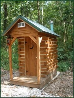 gotta have an outhouse. just maybe not this fancy. after all it is an outhouse Outside Toilet, Outdoor Toilet, Cabin Homes, Log Homes, Bungalows, Outhouse Bathroom, Outdoor Bathrooms, Composting Toilet, Diy Shed