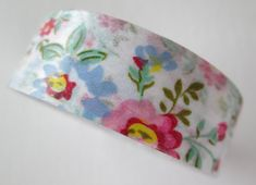 Floral Print    *1 roll of washi tape *15mmx10m  *Ink friendly  *Repositionable    ~*~This is great tape for all your crafting needs! You can use it
