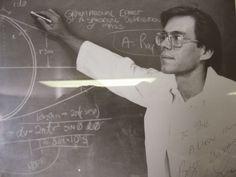 51. Bölgenin Resmi Tanığı Serisi [1]   1989 yılında Bob Lazar adında bir fizik mühendisi, Las Vega...