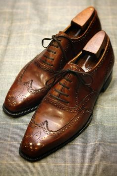 New Handmade Dark Brown Oxfords WingTip Brogue Lace Up Leather Formal Shoes Me Too Shoes, Men's Shoes, Shoe Boots, Dress Shoes, Der Gentleman, Gentleman Shoes, Boat Fashion, Fashion Shoes, Mens Fashion
