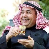 """بالفيديو.. الشريان يهدي ناصر القصبي """"طاقية"""".. والأخير يرد مازحاً: """"الطواقي حبايبي"""""""
