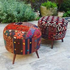 Placing such an adorable kind of seating benches in your outdoor will attractively bring color and attraction to your outdoor area. The traditional style bohemian patterns and mixing of colors seem cool and relaxing at the first impression. This boho-chic idea is also great one to use for your large indoor sofas.