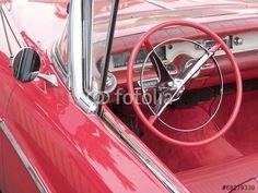 Rotes amerikanisches Cadillac Cabriolet mit rotem Interieur bei den Golden Oldies in Wettenberg Krofdorf-Gleiberg