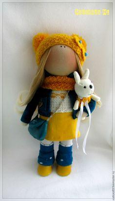 Купить Текстильная интерьерная кукла - желтый, синий цвет, вельвет, сумка через плечо
