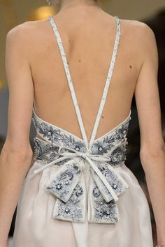 Guo Pei at Couture Spring 2016 - Details Runway Photos