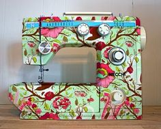 floral sewing machine! I could not sew on this machine.  Especially if I'm working on a busy print, such as paisley.  I just think it would be difficult to keep things lined up properly, not to mention, it would most likely give me a headache!