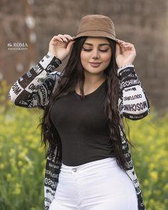 kurdi girls Beautiful Iranian Women, Very Beautiful Woman, Ariana Grande Cute, Muslim Beauty, Stylish Girl Images, Curvy Girl Fashion, Girl Photography Poses, Classy Women, Stylish Dresses
