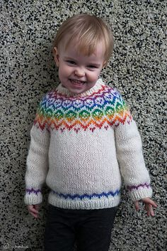 A Lopi sweater for toddlers with a traditional Icelandic yoke pattern. This one will keep your child warm during cold winter months. Baby Boy Knitting, Baby Knits, Sweater Knitting Patterns, Knitting Ideas, Knit Crochet, Crochet Hats, Aran Weight Yarn, Toddler Sweater, Rainbow Sweater