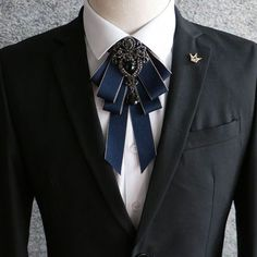 Cheap cravat tie, Buy Quality crystal bow tie directly from China bow tie Suppliers: 2018 Men luxury Formal Business Wedding Party Collar Neck Wear Cravat Tie Accessories Fashion Groom Rhinestone Crystal Bow Tie Look Fashion, Mens Fashion, Fashion Trends, Fashion Tips, Lolita Fashion, Terno Slim Fit, Cravat Tie, Style Streetwear, Brooch Corsage