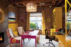 Una oficina a todo color · A colorful office space