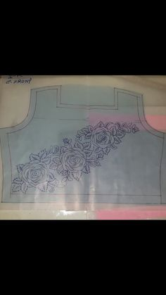 Hand Embroidery Designs, Embroidery Patterns, Fabric Patterns, Sewing Patterns, Zardosi Embroidery, New Mehndi Designs, Sketch Design, Neck Pattern, Designs To Draw