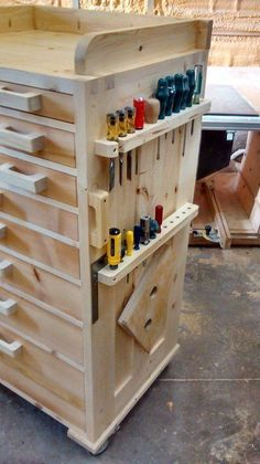 Tool chest - or finshed off nicely could be used in a kitchen, craft room....might need a few modifications...could put kitchen knives where the screw drivers are...drawers could be used for all sorts of things, really like this... #woodworkingcrafts