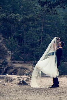Być razem, w radości, działać! Podoba nam się!  www.przednamislub.pl - fotografia ślubna i filmowanie z pasją :) Outdoor Furniture, Outdoor Decor, Blond, Wedding, Fashion, Valentines Day Weddings, Moda, Fashion Styles, Mariage