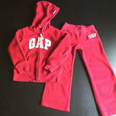 GAP kids fleece jogging suit Girls size 6-7.  Slightly worn but in good condition. GAP Other