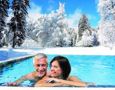 Entspannen im beheitzten #Außenpool im ***** Hotel #Warmbaderhof Das Hotel, Engagement Rings, Warm Bathroom, Villach, Vacation, Enagement Rings, Wedding Rings, Diamond Engagement Rings, Engagement Ring