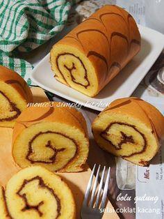 Obtain Chinese Food Dessert Recipe Cake Receipe, Cake Roll Recipes, Pastry Recipes, Dessert Recipes, Bolu Cake, Pandan Cake, Resep Cake, Asian Desserts, Almond Cookies