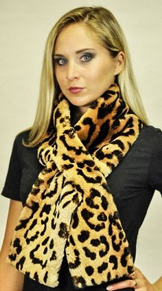aed1417d416c6 10 Best Stylish and Real Women's Fur Scarves images in 2015   Fur ...