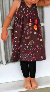 Free pattern: Snap Wrap Dress for toddlers · Sewing | CraftGossip.com