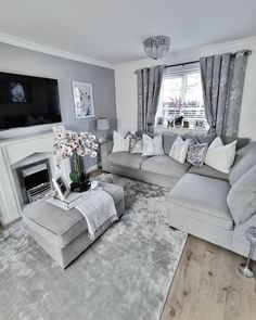 My weekend starts here as I'm just about to finish at work. Yes, working looong night shifts mean I only do Decor Home Living Room, Cozy Living Rooms, Home And Living, Living Room Designs, Silver Living Room, Elegant Living Room, Living Room Grey, Lounge Design, Living Room Inspiration