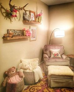 Lots of requests for Lenis nursery pictures! Heres another corner that I LOVE! The homemade deer rack flower crown deserves its own post because its AMAZING Deer Themed Nursery, Baby Deer Nursery, Hunting Nursery, Girl Nursery Themes, Camo Nursery, Woodland Nursery, Baby Room Design, Baby Room Decor, Nursery Pictures