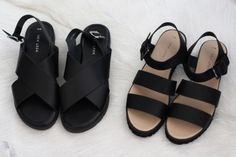I am still fan of chunky sandals. I just prefer more basic ones that I can wear with multiple types of outfits Shoe Boots, Shoes Sandals, Black Sandals, Simple Sandals, Modele Hijab, Mode Shoes, Chunky Sandals, Shoe Closet, Mode Style