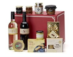 Our Season's Greetings gift carton makes the ideal gift for customers or staff to enjoy during the festive season.