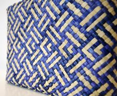 The Art of New Zealand - Maori art in 4 forms: carving, weaving, tattoos and paint. by nellie mitchell Weaving Patterns, Cool Patterns, Quilt Patterns, Maori Designs, Flax Weaving, Clinic Design, Maori Art, Furniture Inspiration, Rattan