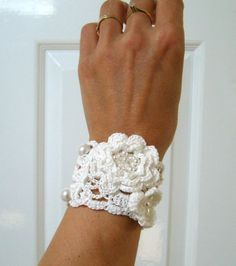 French+lace+handmade+crocheted+wedding+bracelet/+by+LesNaturelles,+$22.00