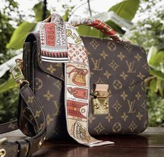 Louis Vuitton's most timeless leather goods embody the Maison's signature Spirit of Travel. Explore the new campaign to discover a selection of iconic designs. Chanel Backpack, Chanel Purse, Chanel Bags, Dior Handbags, Tote Handbags, Louis Vuitton Official Website, Latest Bags, Replica Handbags, Prada Bag