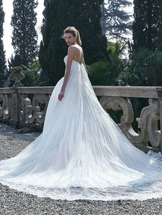 """Jillian Fall/Winter 2016 Bridal Gowns 
