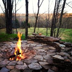 Catskills stonework firepit glamping Swiss hill jeffersonville ny - Easy Crafts for All Sunken Fire Pits, Cool Fire Pits, Diy Fire Pit, Fire Pit Backyard, Backyard Patio Designs, Backyard Landscaping, Backyard Seating, Backyard Ideas, Patio Ideas