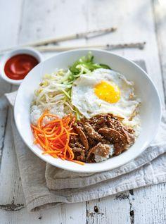 <i>Bibimbap</i> (bol coréen de riz, de légumes, d'œuf et de bœuf) Recettes | Ricardo
