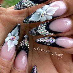 This time we'll show you how can decorate your nails with rhinestones and glitter. You'll be like a movie star. Crazy Nails, Fancy Nails, Cute Nails, Pretty Nails, Rhinestone Nails, Bling Nails, Stiletto Nail Art, Acrylic Nails, Pastel Nails