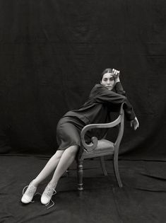 The late photographer Kate Barry had a great talent for photographing successful women. From Sophie Marceau to Laetitia Casta and Catherine Deneuve, the most il Modern Photography, Abstract Photography, Artistic Photography, Portrait Photography, Photography Ideas, Fashion Photography, Jane Birkin, Melanie Laurent, Audrey Tautou