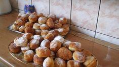 Koblihy ze zakysané smetany Pretzel Bites, Food And Drink, Bread, Sweet, Basket, Candy, Brot, Baking, Breads