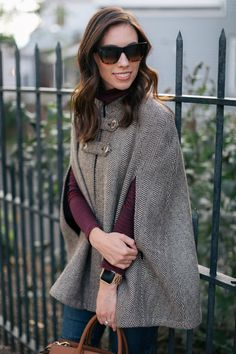 Trendy Winter Outfit with Cape - Women's fashion 2020 Simple Winter Outfits, Casual Fall Outfits, Summer Outfits, Glamorous Evening Dresses, Formal Evening Dresses, Winter Dresses, Older Women Fashion, Womens Fashion, Ladies Fashion