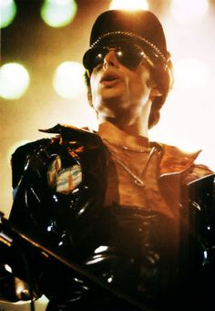 See the latest images for Freddie Mercury. Listen to Freddie Mercury tracks for free online and get recommendations on similar music. John Deacon, Bryan May, Mr Fahrenheit, Roger Taylor, Queen Photos, We Will Rock You, Somebody To Love, Queen Freddie Mercury, Queen Band