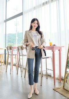 Korean Fashion Street Casual, Korean Girl Fashion, Ulzzang Fashion, Korea Fashion, Korean Casual Outfits, Blazer Outfits Casual, Workwear Fashion, Fashion Outfits, Minimalist Fashion Women
