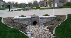 ideas landscaping front yard retaining wall curb appeal for 2019 Driveway Culvert, Driveway Entrance Landscaping, Outdoor Landscaping, Outdoor Gardens, Landscaping Ideas, Driveways, Driveway Drain, Pavers Ideas, Landscaping Edging