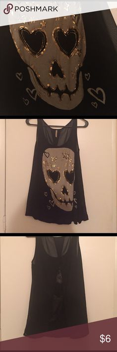 Tank Top Open Back Tank Top! Worn Twice!! Very comfy and very cute paired with black jeans!! Tops Tank Tops