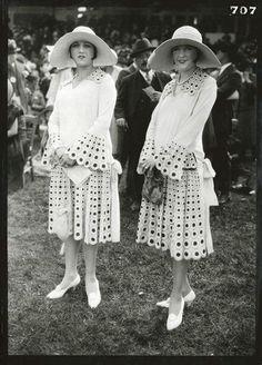 La mode aux courses by Paul Geniaux, 1920-1931