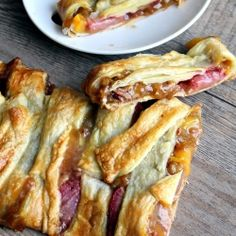 A lemon berry & peach strudel that takes 30 minutes start to finish! Everyone will just think you spent all day baking